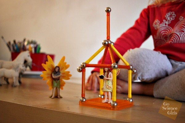 Magnetic construction meets fairy role-play with Geomag