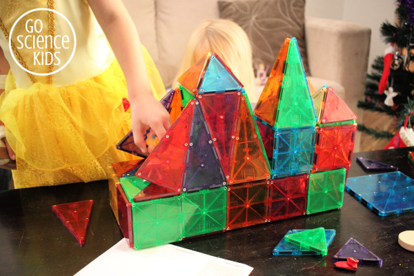 playing with magna-tiles