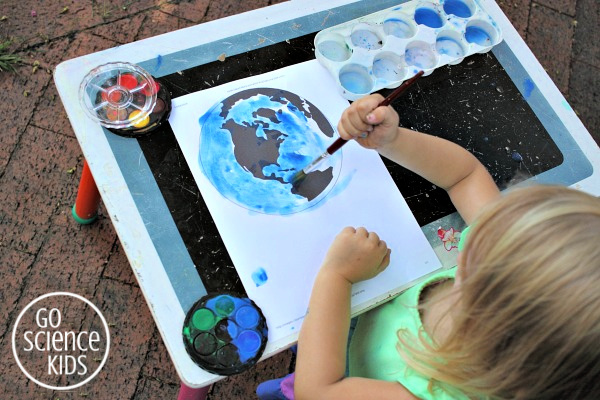 Painting the earth's oceans blue around north america